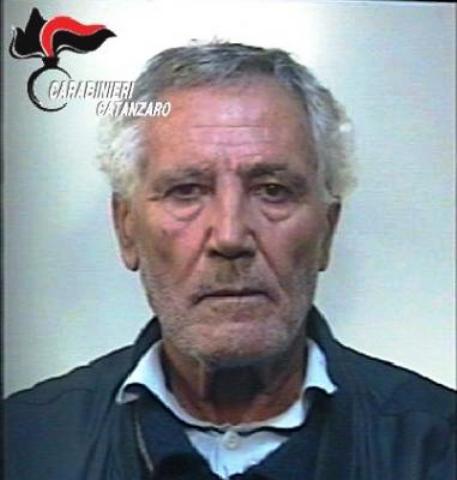 Cocaina e 3 pistole in casa: polizia arresta 43enne nel Milanese